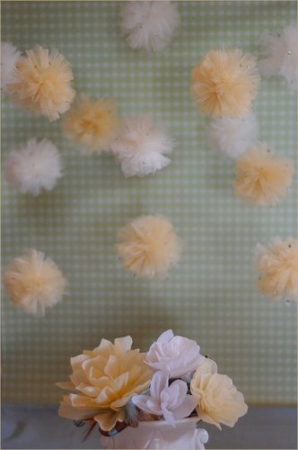 weddingstylist tulle poofs1 Στολισμός με Pom Poms