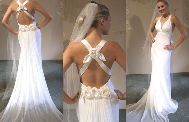 weddingstylist white low back wedding dress1 Tο ιδανικό νυφικό