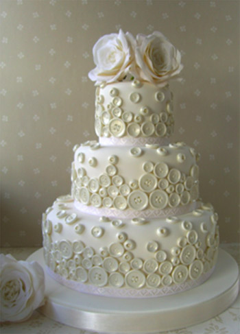 weddingstylist ButtonCake 5 copy Με κουμπιά και φαντασία