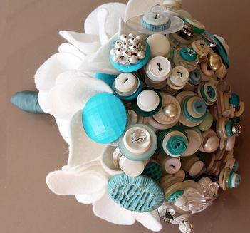 weddingstylist button bouquet7 Με κουμπιά και φαντασία