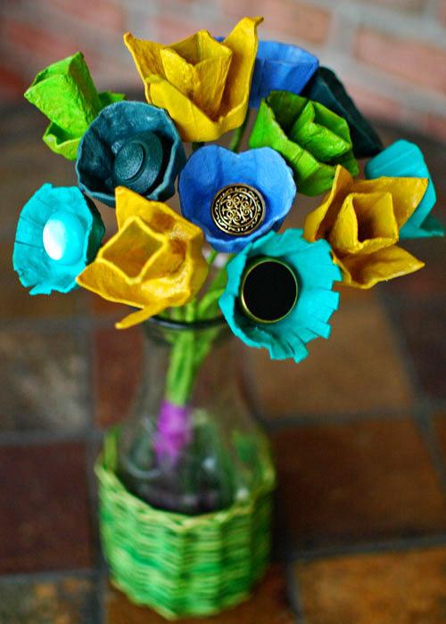 weddingstylist eggcartonbouquetfarboost131 Λουλούδια με κουμπιά