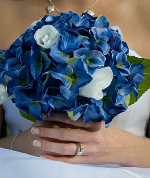 weddingstylist bouquet Κάτι μπλε για τον γάμο σας;