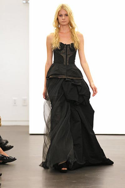 weddingstylist verawang11 Vera Wang Wedding Dresses/ Fall 2012