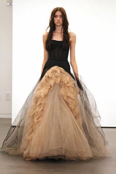 weddingstylist verawang7 Vera Wang Wedding Dresses/ Fall 2012