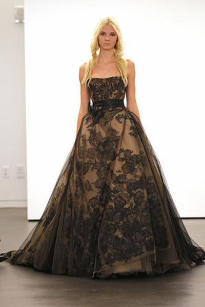 weddingstylist verawang8 Vera Wang Wedding Dresses/ Fall 2012