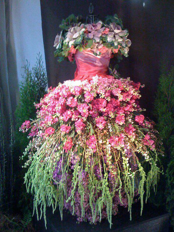 weddingstylist budget bride Λουλουδένιο νυφικό