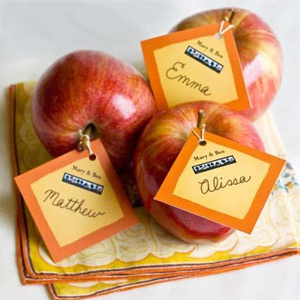 weddingstylist apple place cards Φύσηξε στις καρδιές μας αέρας φθινοπωρινός