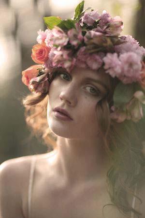 weddinstylist louloudia stefani Στεφανωθείτε...με πανέμορφα λουλούδια στα μαλλιά!