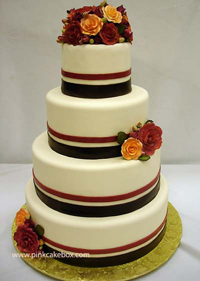 weddingstylist cake veloudo gamos Το πιο βαθύ βελούδινο φιλί