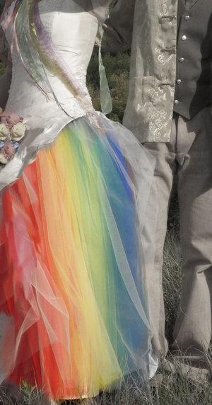weddingstylist rainbow weddingdress Η αγάπη είναι χρώμα!