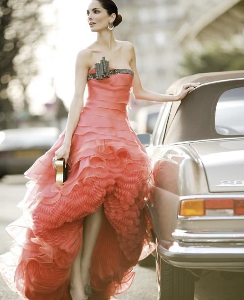 weddingstylist ruffles dress Κυματιστά εφέ για...αέρινες νύφες!