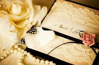 weddingstylist blackivory invitations wedding Όταν το λευκό φίλντισι συναντά το μαύρο