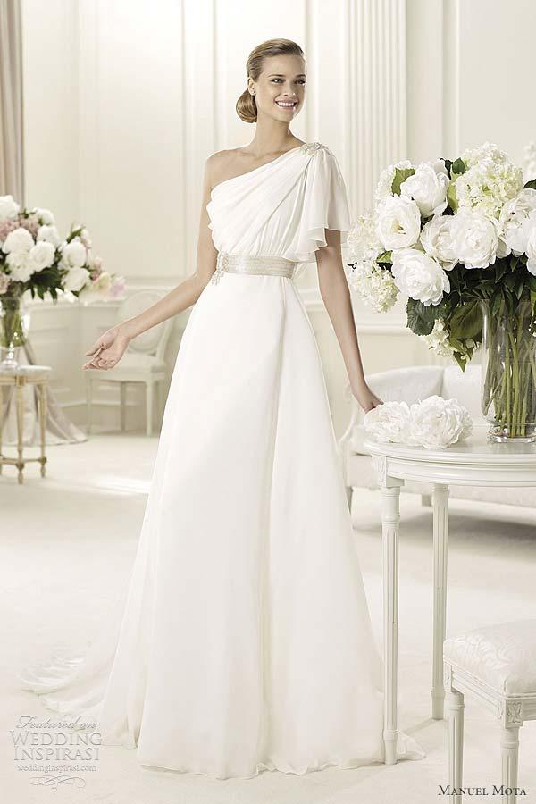 weddingstylist pronovias collection 2013 Νυφικά Pronovias 2013: Μια βουτιά στην κλασσική ομορφιά