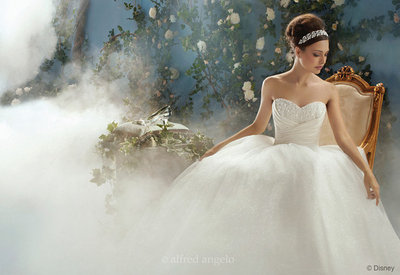 weddingstylist_staxtopouta_weddingdresses