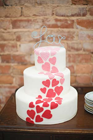 weddingstylist_cake_valentine